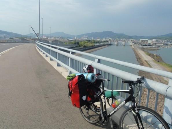 自転車旅行、一級河川の橋から撮った写真