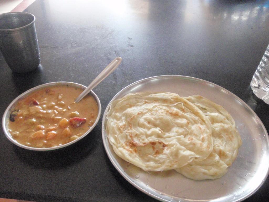 インドで2番めに食べたカレーの写真