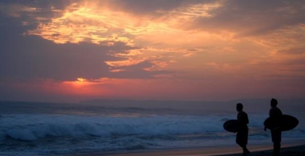 Surfingでこの世界を旅する